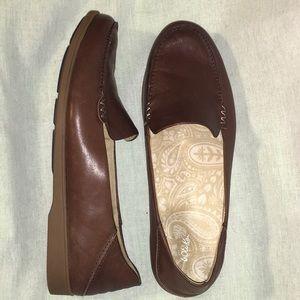 10 OluKai KIELE Soft Brown Leather Slip On Loafers